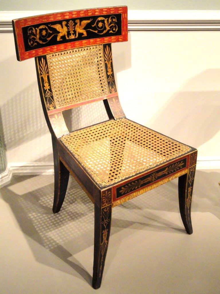 greckie krzesło z czasów starożytnych