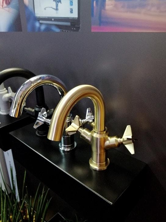 złota bateria łazienkowa