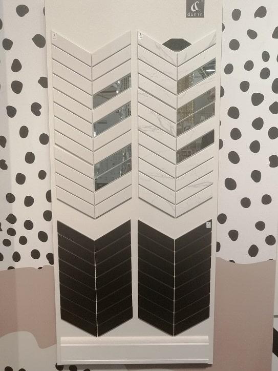 płytki łazienkowe mozaika jodełka lustrzana marmurowa chevron dunin