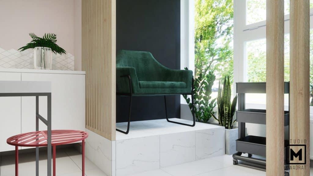 zielony fotel na podeście pedicure