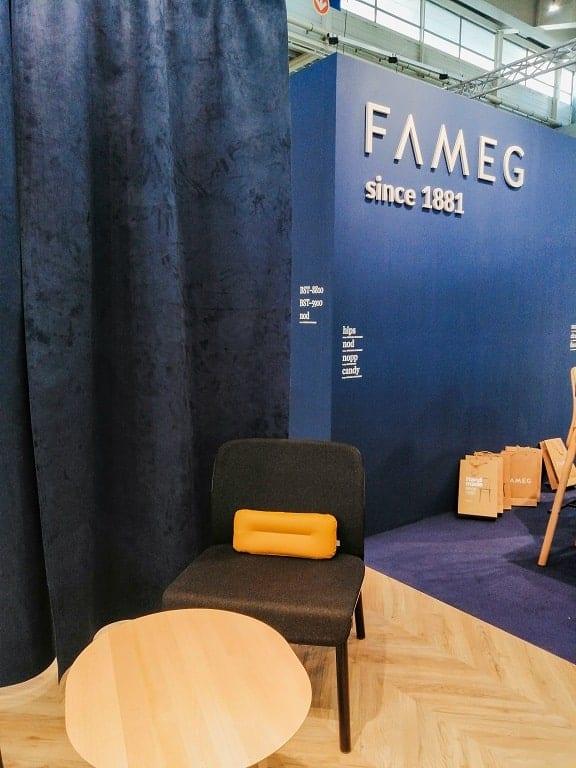 Fameg na targach Home Decor 2020, classic blue Pantone 2020