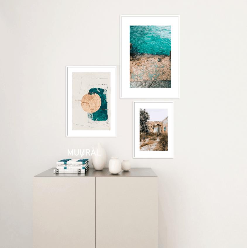 kompozycja plakatów w projekcie wnętrza